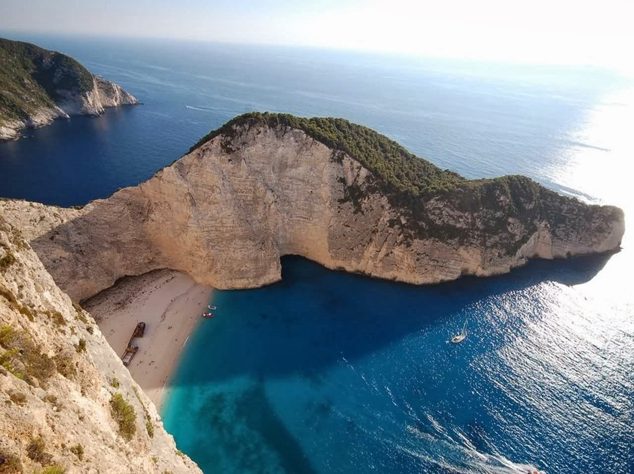 The beautiful island of zakynthos in hellas greece for Images of the most beautiful places on earth