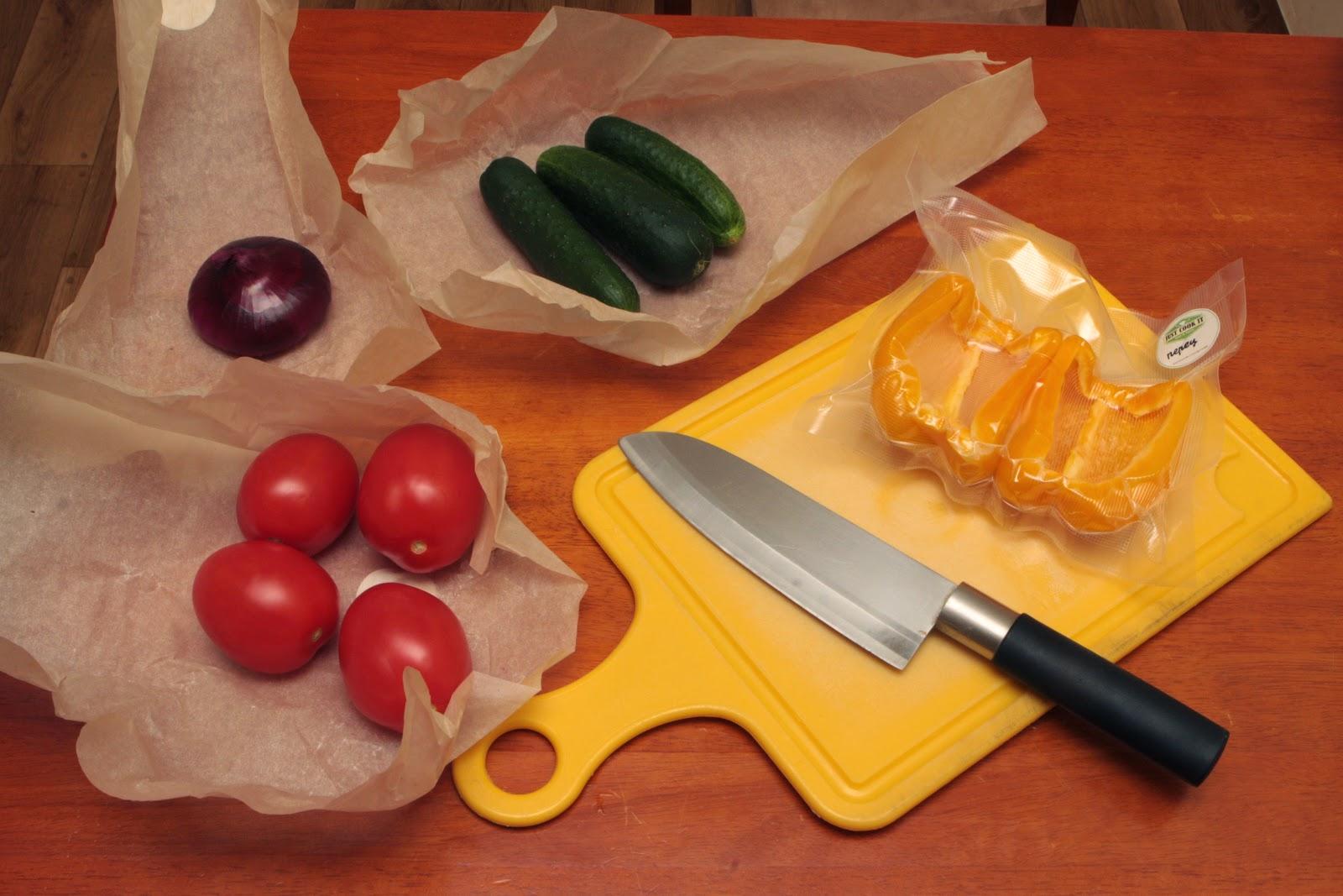 Овощи, помидоры, огурцы, перец, лук
