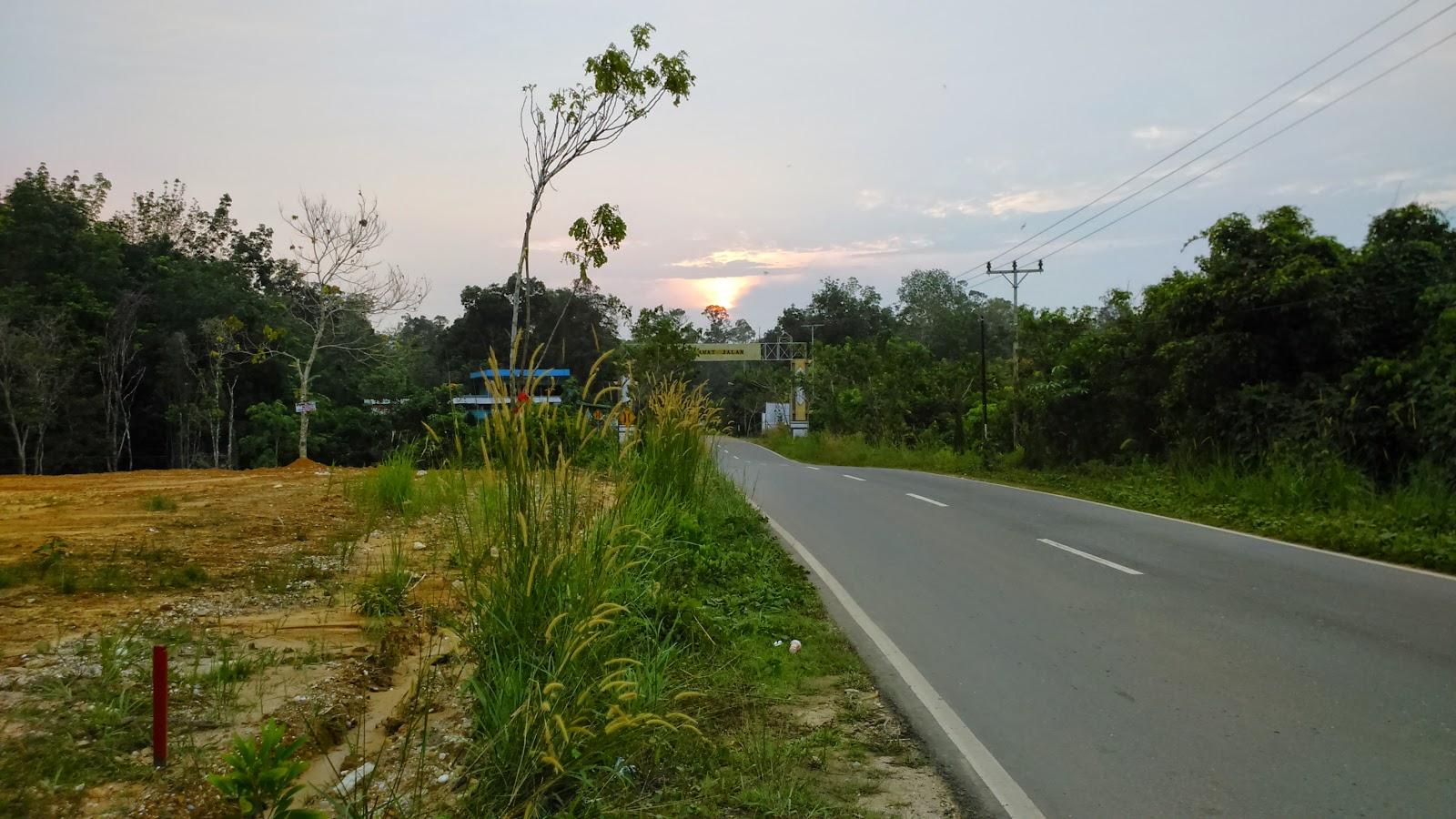 Apa yang salah dengan Jalan Trans Kalimantan