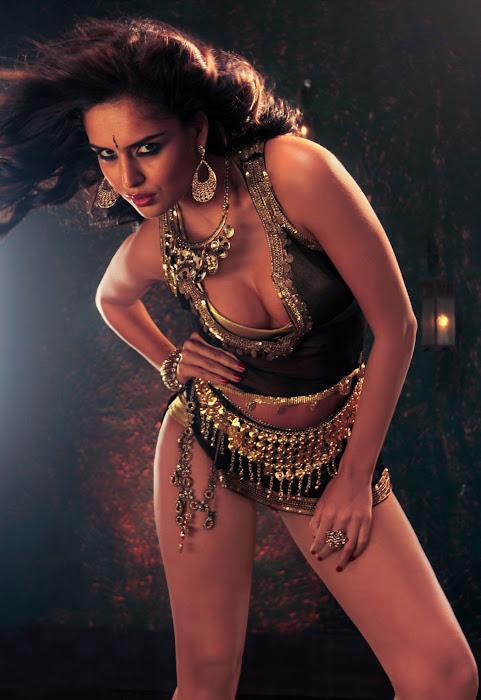 nathalia kaur from department movie, nathalia kaur hot photoshoot