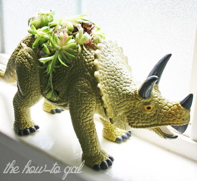 Dinosaur+Planter+3.jpg