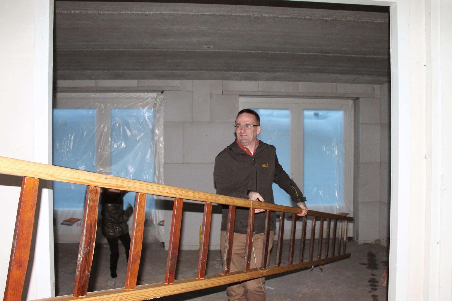 Helen marc olivia bouwen een huis met de familie naar binnen - Een kamer regelen ...