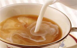 Teh Susu Pemutih Gigi Kekuningan Alami