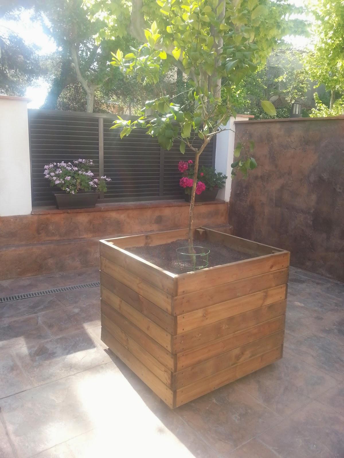 Jardineras de madera for Jardineras para arboles grandes
