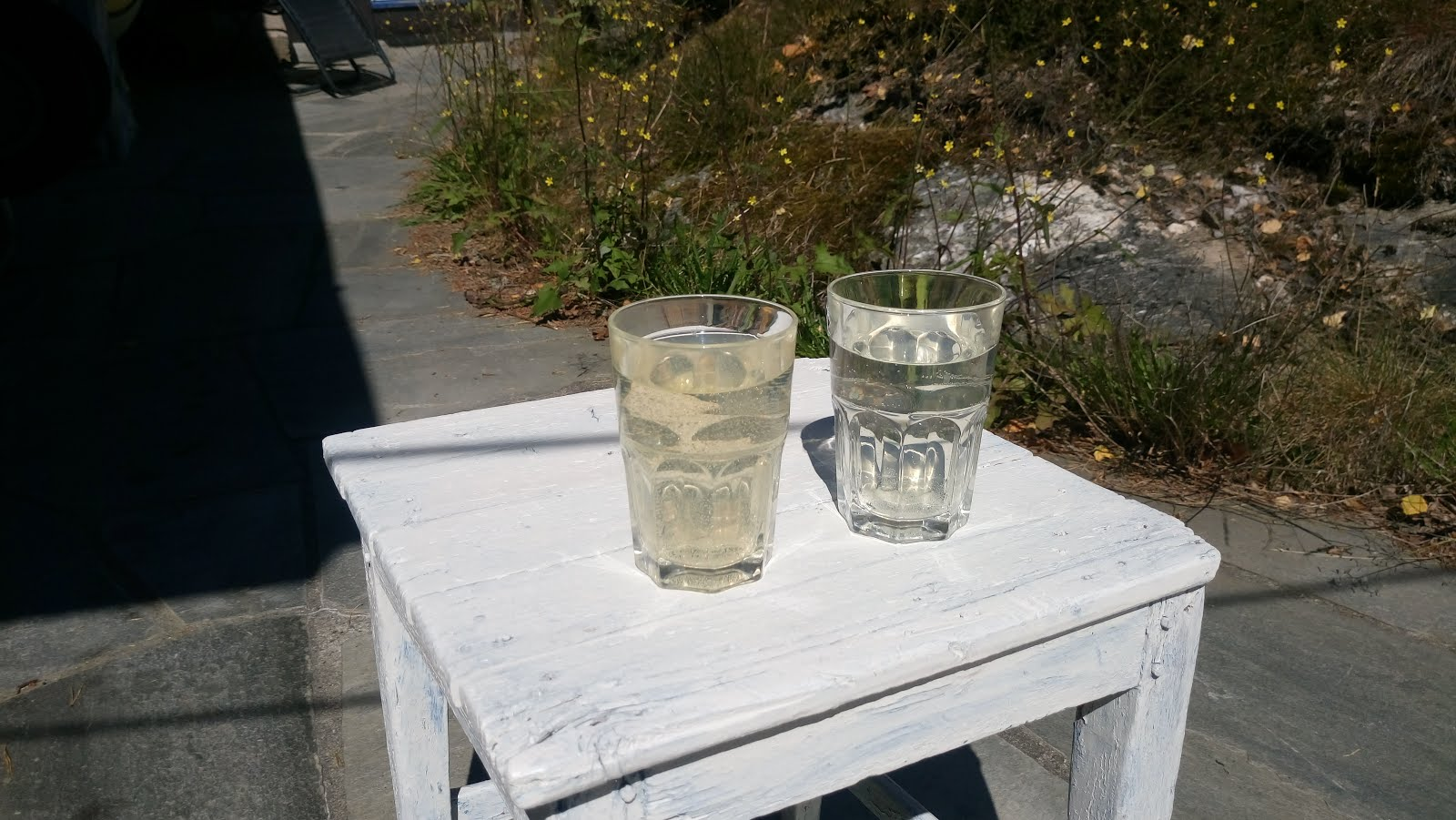 vannet før og etter jernfilteret