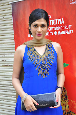 shraddha das at manepally jewellers shraddha das new hot photoshoot