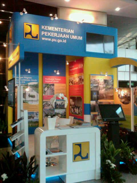 Dekorasi styrofoam stand booth pu for Dekorasi lebaran hotel