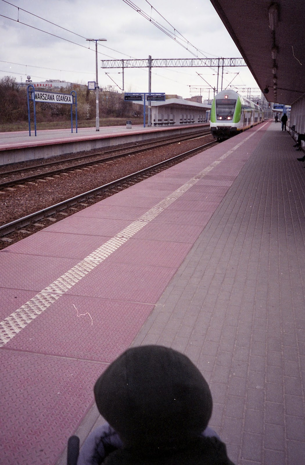 pociąg robi tudum