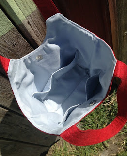 Stand Up and Tote Notice - Inner Pockets