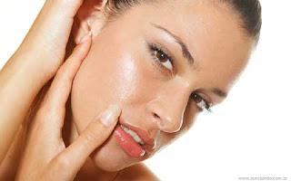 Cuidados com a pele e cabelos oleosos | Clínica Weiss | Hugo Weiss Dermatologista