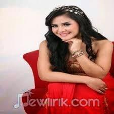 Download Lagu Dangdut Laila Malimping - Lupa Pulang
