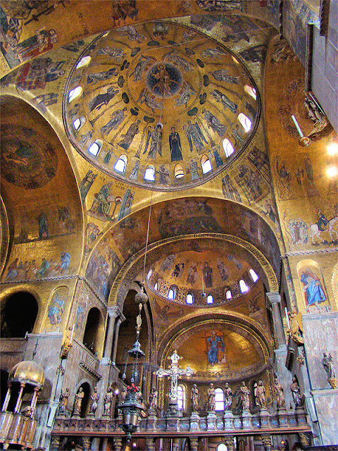 All that glitters IS gold inside Saint Mark's Basilica. Photo: WikiMedia.org.