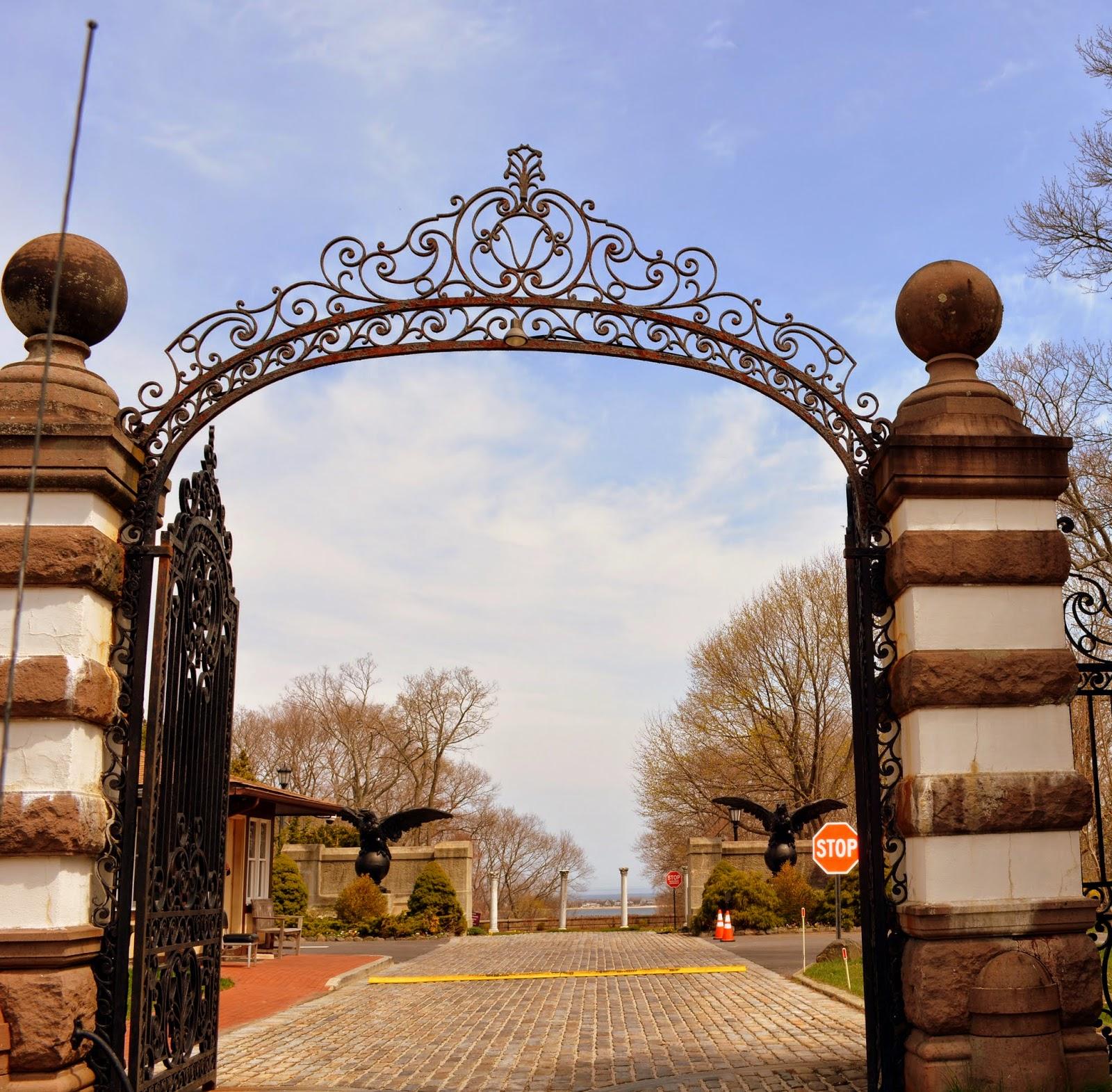 Gates Planetarium: Mille Fiori Favoriti: Vanderbilt--Mansion, Museum, Planeterium