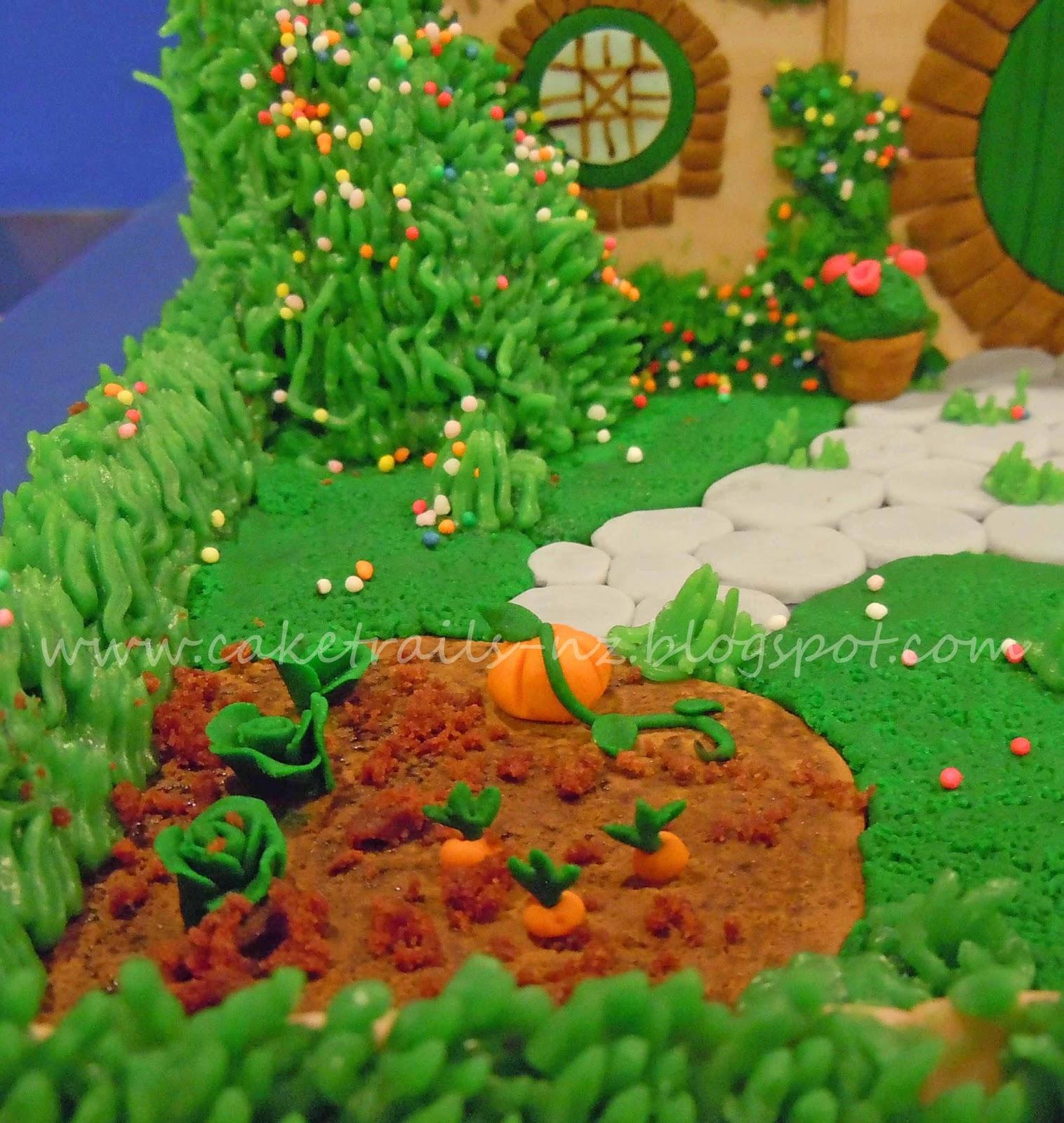 Cake trails hobbit hole 39 bag end 39 cake for Vegetable patch