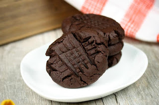 chocolate-peanut-butter-cookie