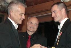 Lt. Ross weds Dan Swezy