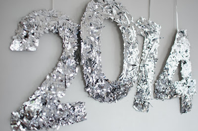 http://apairandasparediy.com/2013/12/diy-confetti-nye-numbers.html?utm_source=feedburner&utm_medium=feed&utm_campaign=Feed%3A+APairAndASpareDiyFashion+%28A+Pair+and+a+Spare+|+DIY+Fashion%29