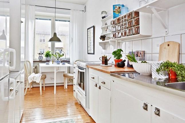 specchio a balcone shabby : ... ] con toni naturali - Home Shabby Home Arredamento, interior, craft