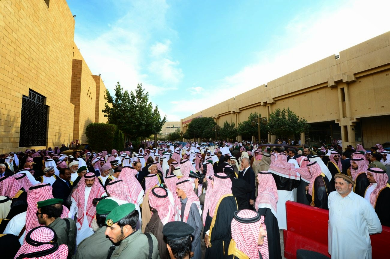 بالصور .. مراسم تشييع ودفن الملك عبدالله بن عبدالعزيز آل سعود