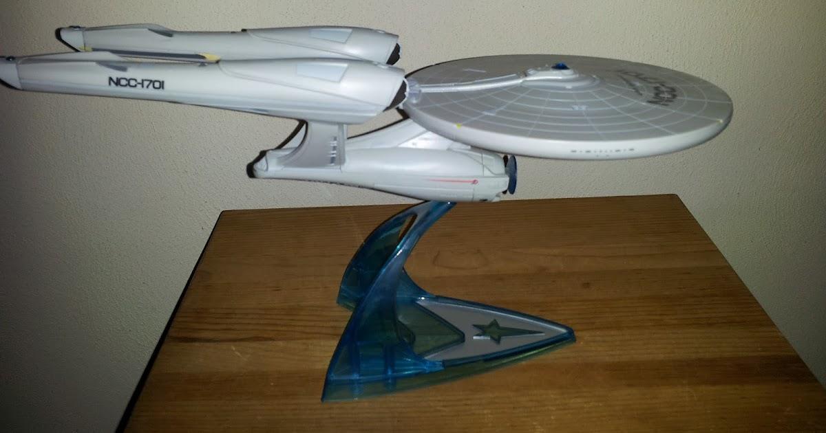 es collection of things star trek 2009 enterprise toy
