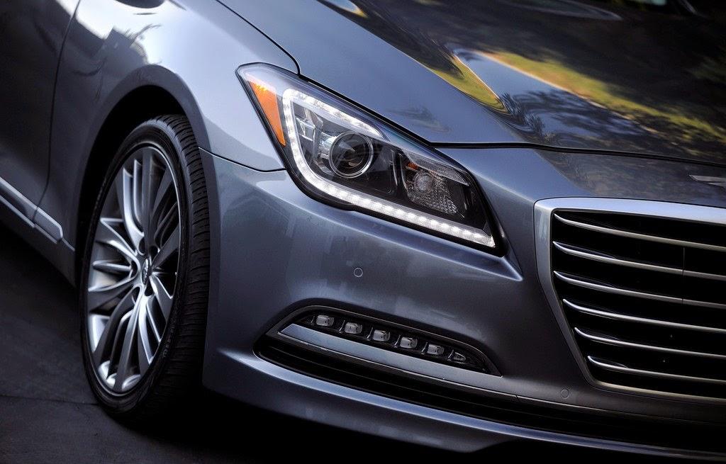 2015 Hyundai Genesis Headlight Wallpaper