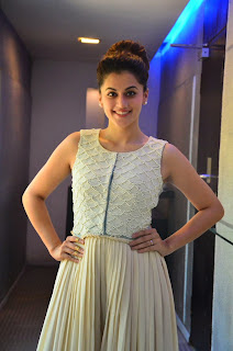 Actress Taapsee Pannu Looks Absolutely Gorgeous At Tamil Film 'Kanchana 2? Press Meet  15