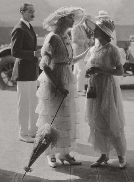 Ruffles Through the Eras ~ 1910s #antique #fashion #1910s #dress #ruffle