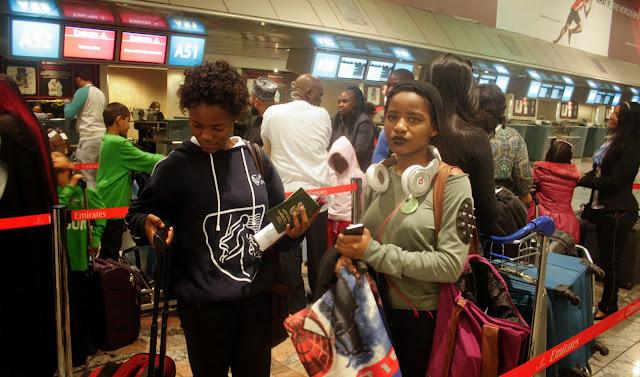 glitter daiquiri, what to wear airport, o.r tambo international airport, travel diary, emirates, dubai, istanbul