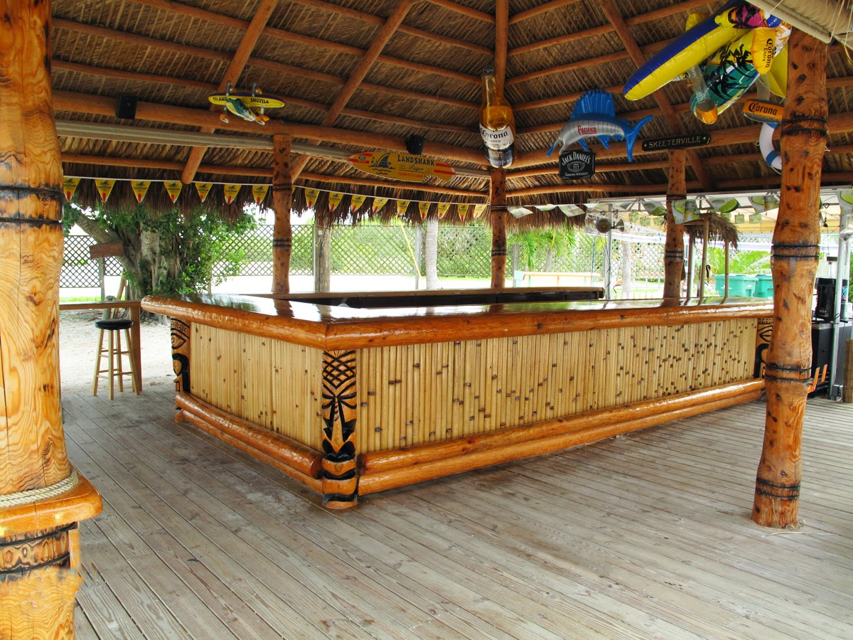 Big kahuna tiki huts and tiki bar - Bamboo bar design ideas ...