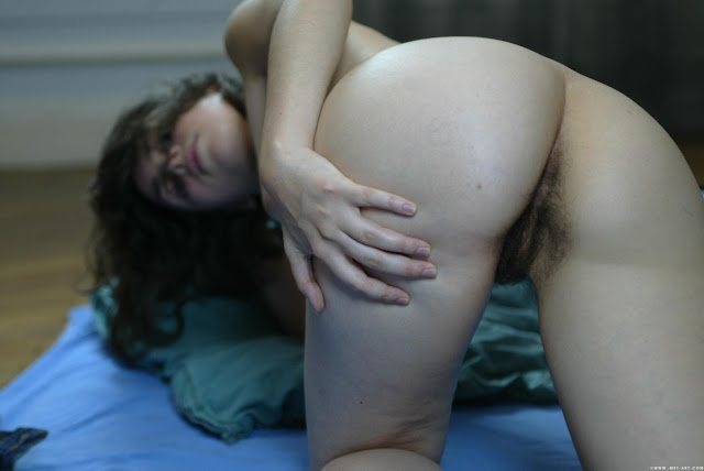 Cute Amateur Girls Hairy Pussy