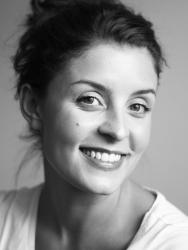 Jessie Burton - Autora