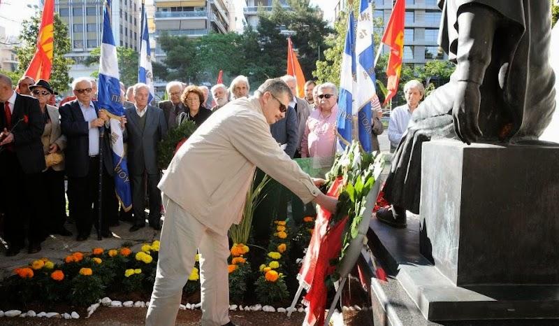 9 Μάη ημέρα αντιφασιστικής νίκης των λαών. Καταθέσεις στεφάνων από ΠΕΑΕΑ - ΔΣΕ στο μνημείο του Σοβιετικού Στρατιώτη στην Καλλιθέα