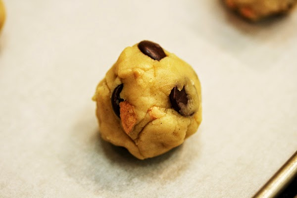 cookie-dough-ball