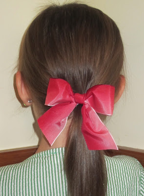 How to make five minute hairbows using wired or unwired ribbon