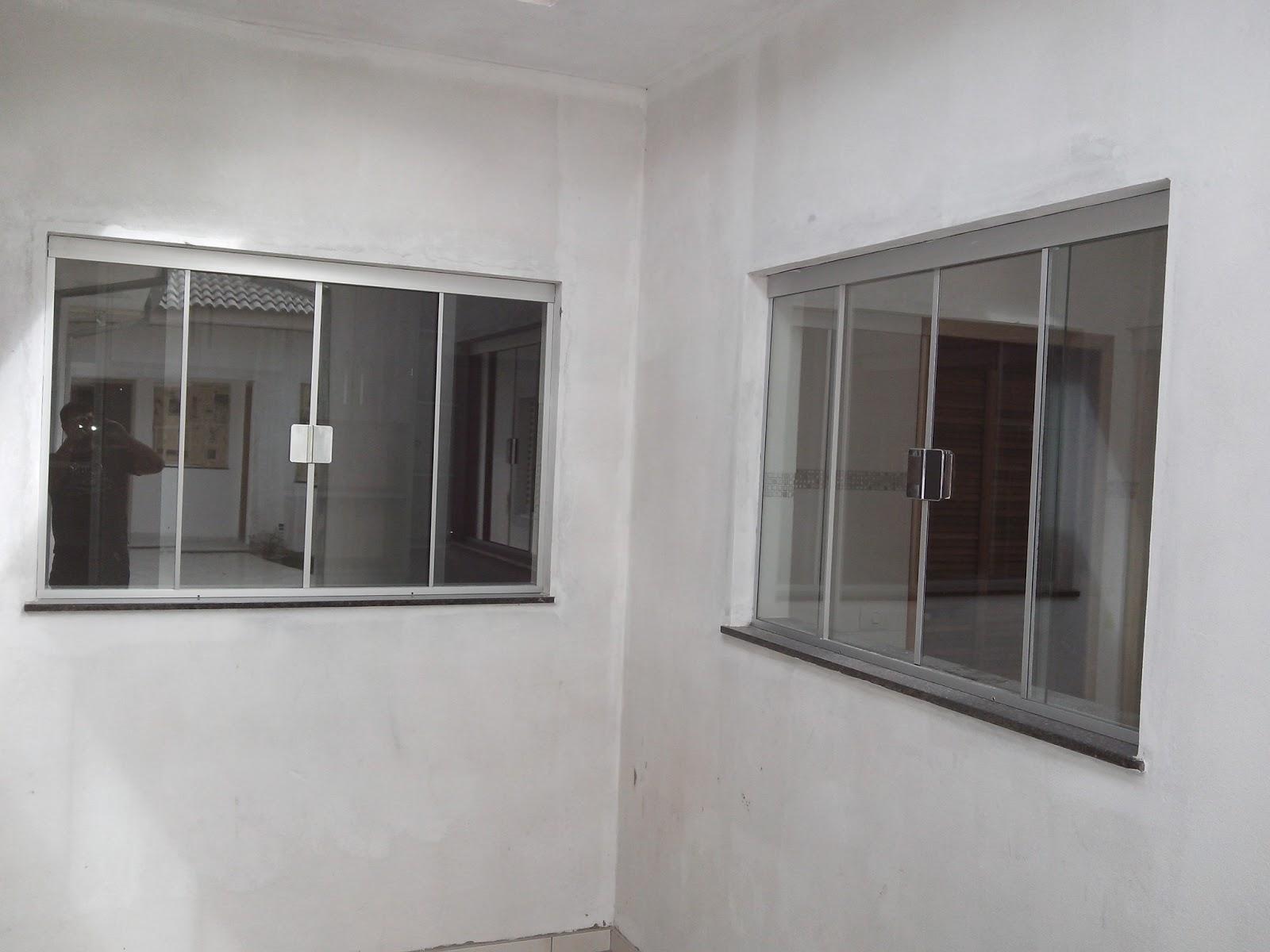 #57524E FRANCO VIDROS TEMPERADOS: Obra em Ourinhos  816 Limpeza De Vidros E Janelas
