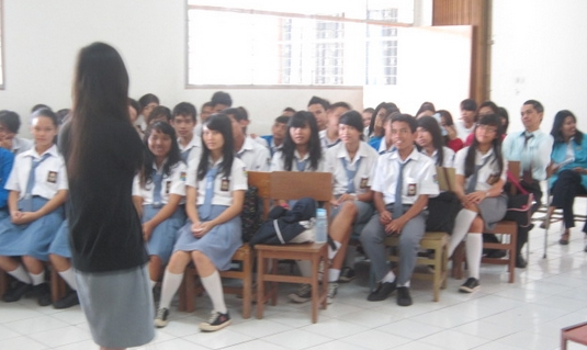 Cerkak Bahasa Jawa Pendek Kegiatan Sekolah