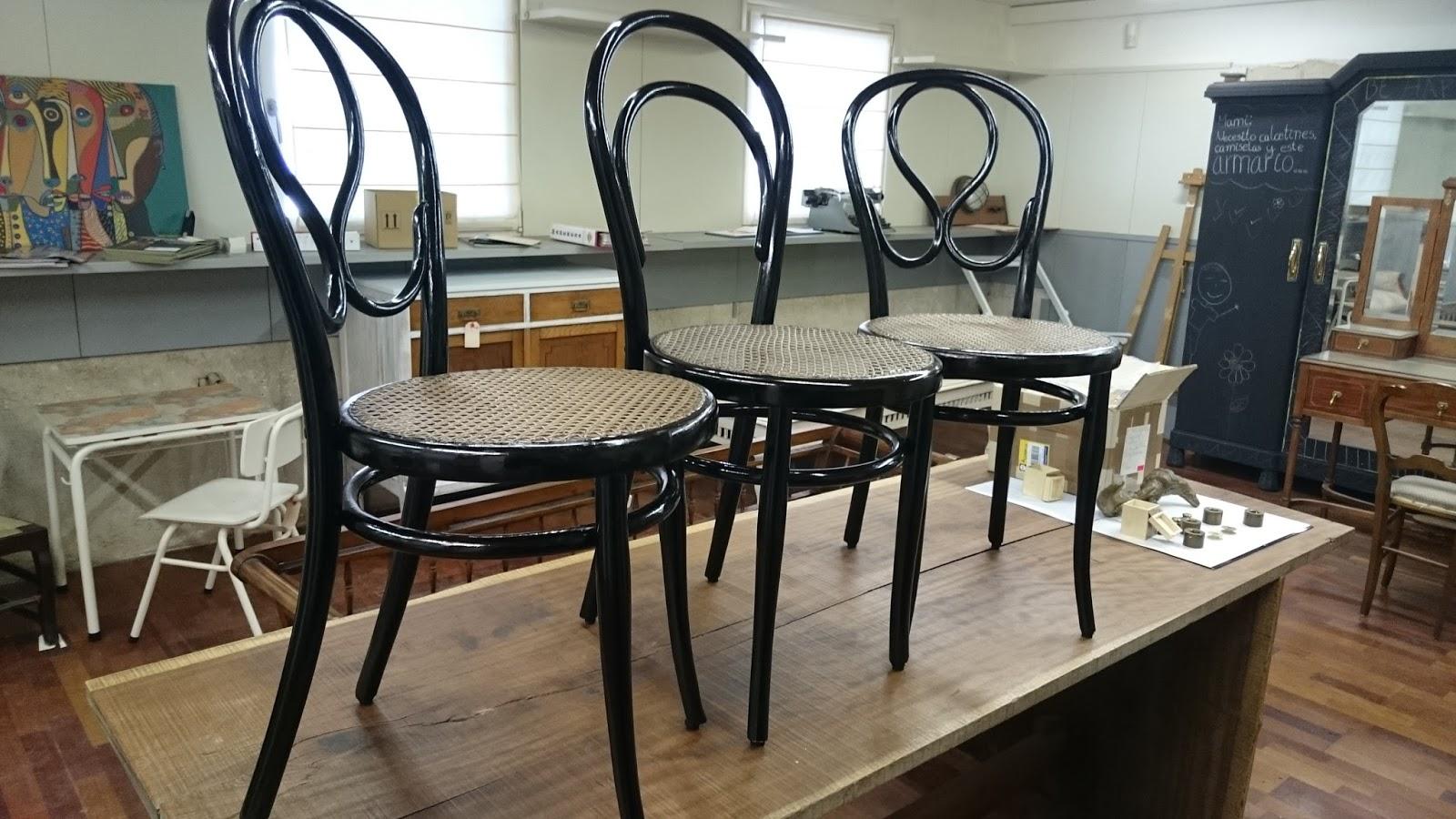 thonet originales n 20 restauradas selladas y etiquetadas restored pair of original thonet. Black Bedroom Furniture Sets. Home Design Ideas