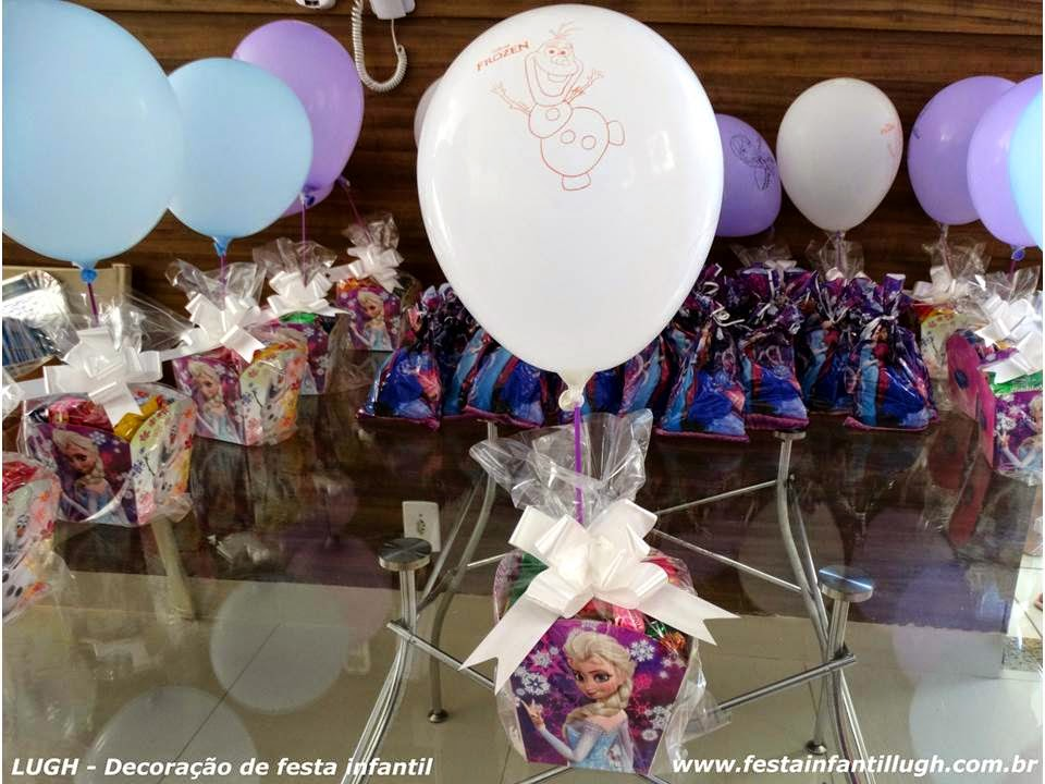 festa infantil - enfeites para mesa dos convidados com o tema frozen