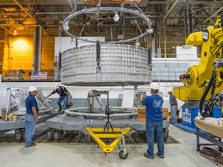 Welding-Process-for-the-Spacecraft-atop-the-World-Largest-Rocket-Begins-2