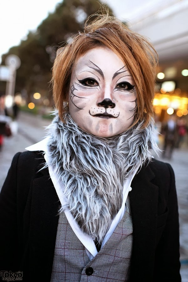 Animal makeup with grey fur