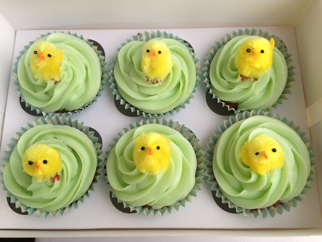 Easter chick cupcakes, easter cakes, buttercream icing, green icing, piped icing