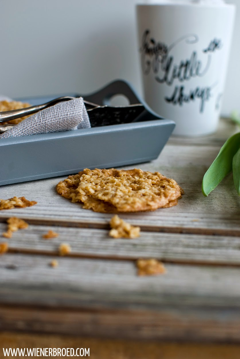 Havreflarn - schwedische Haferkekse / Swedish oat cookies [wienerbroed.com]