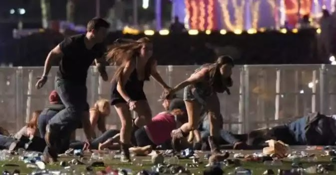 Σφαγή χωρίς προηγούμενο στις ΗΠΑ: Τους 50 έφτασαν τελικά  οι νεκροί μετά το μακελειό στο Λας Βέγκας