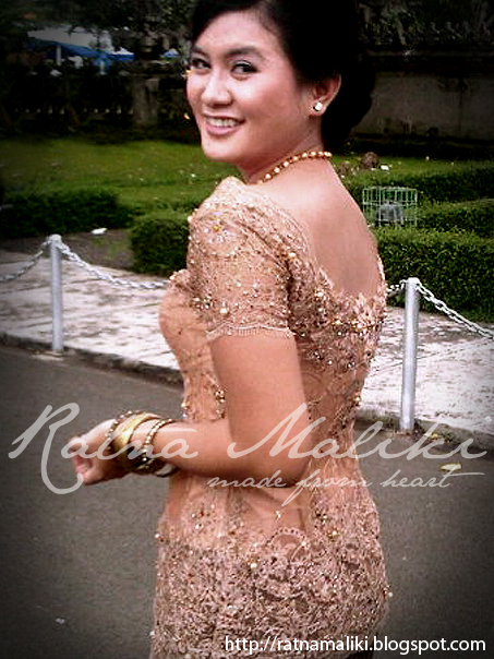 STORE.co.id Model Kebaya Wisuda - Mode / Fashion