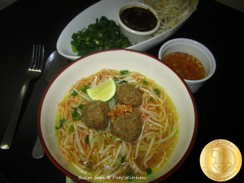 chicken bakso baso indonesian timorese meatballs mustard lemon and ...