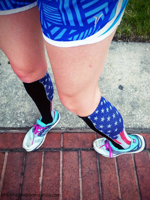 4th-of-july-run-flag-socks1