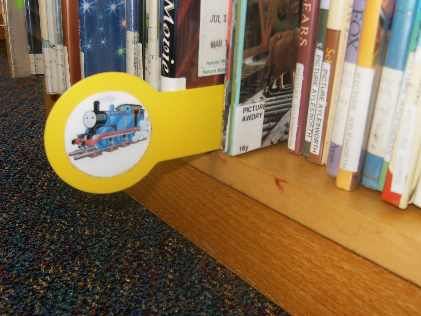 Jen the Youth Services Librarian: Picture Book Character Shelf Markers