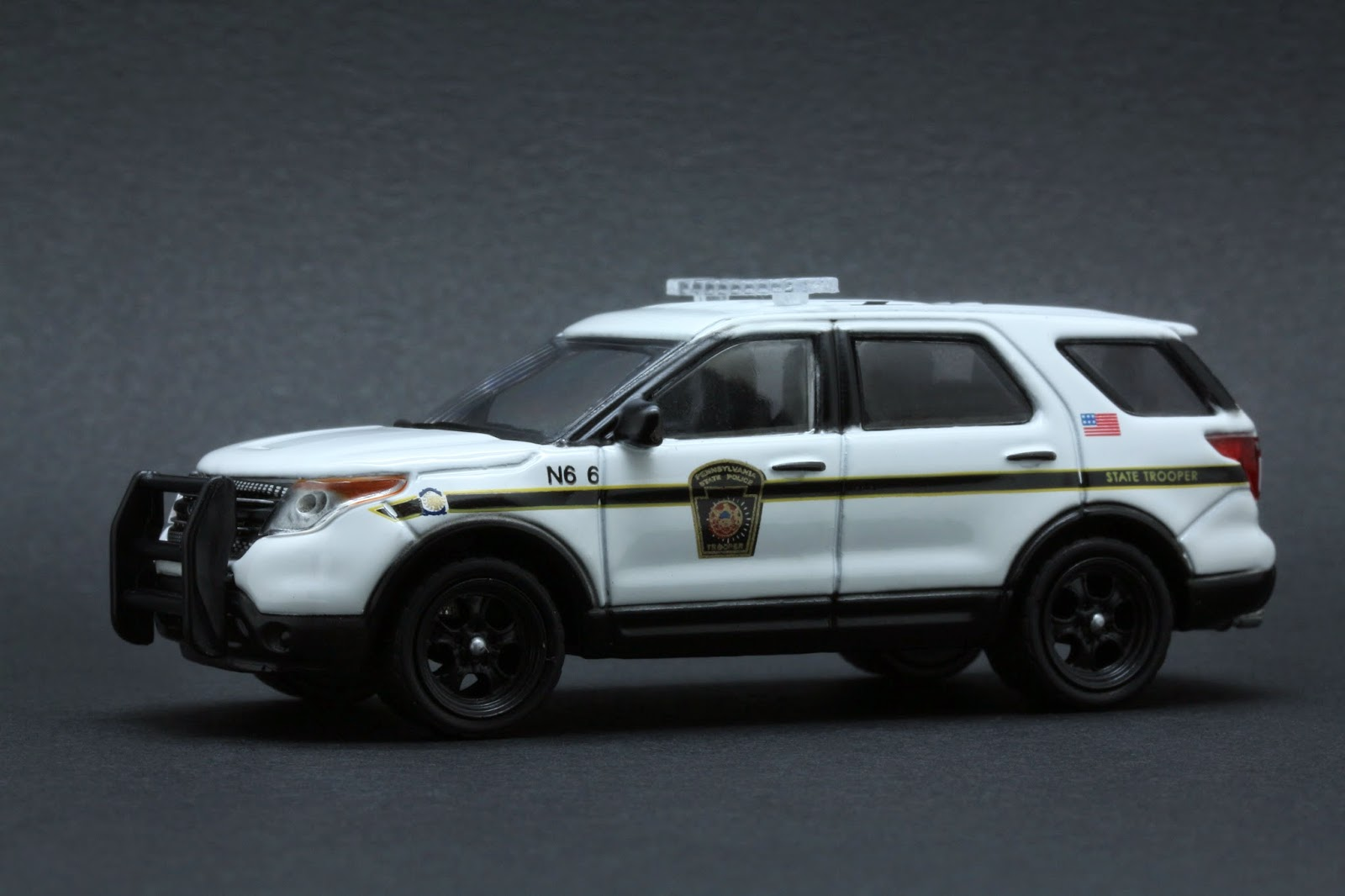 diecast hobbist 2014 ford explorer pennsylvania state police. Black Bedroom Furniture Sets. Home Design Ideas