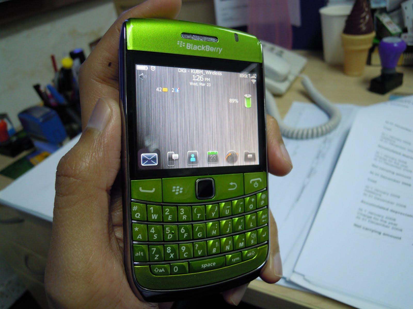 yujito accessories blackberry bold 9700 housing green. Black Bedroom Furniture Sets. Home Design Ideas