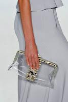 Прозрачна чанта клъч с обков на Jenny Packham